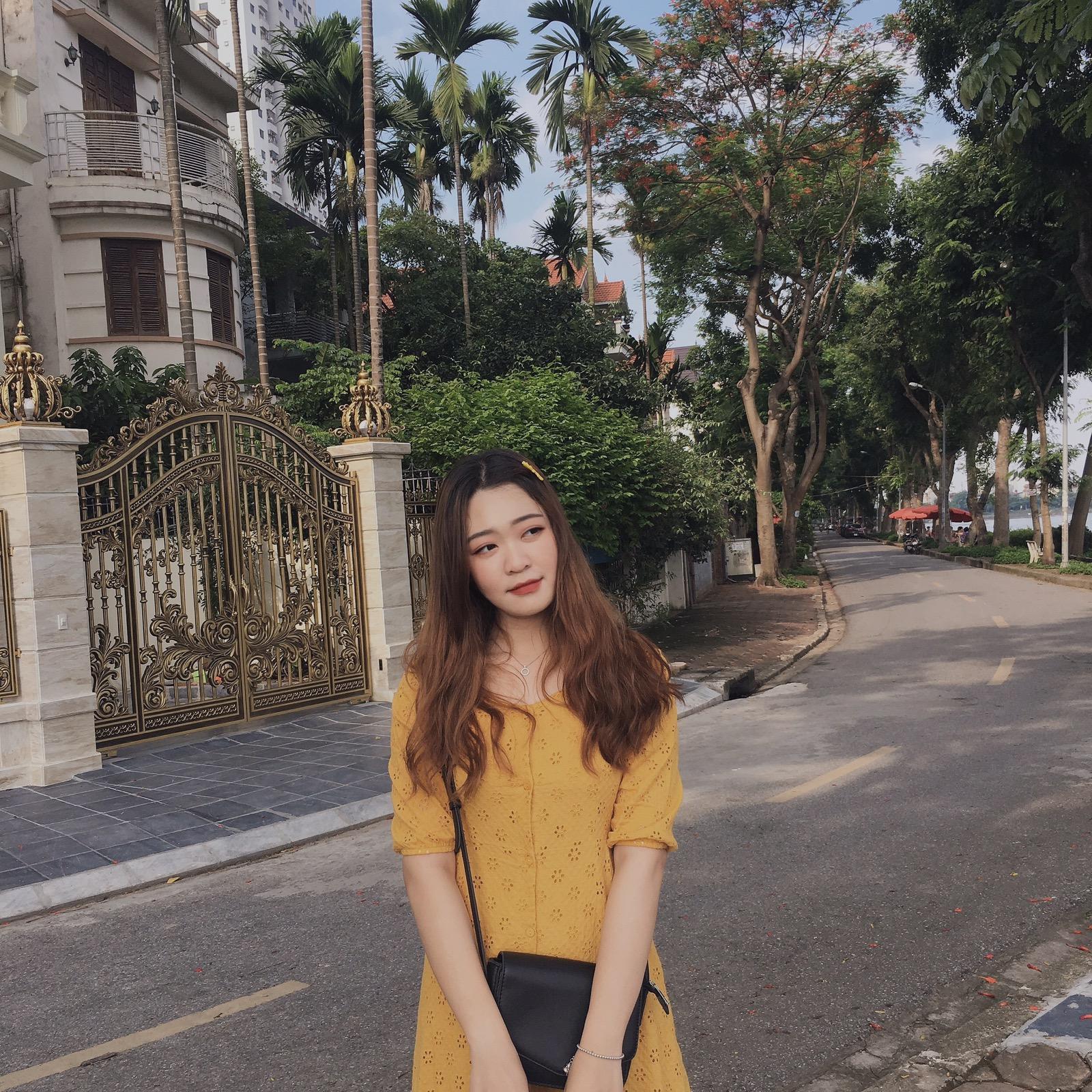Nguyễn Thị Thu Hoài (1998 HV Ngân hàng)