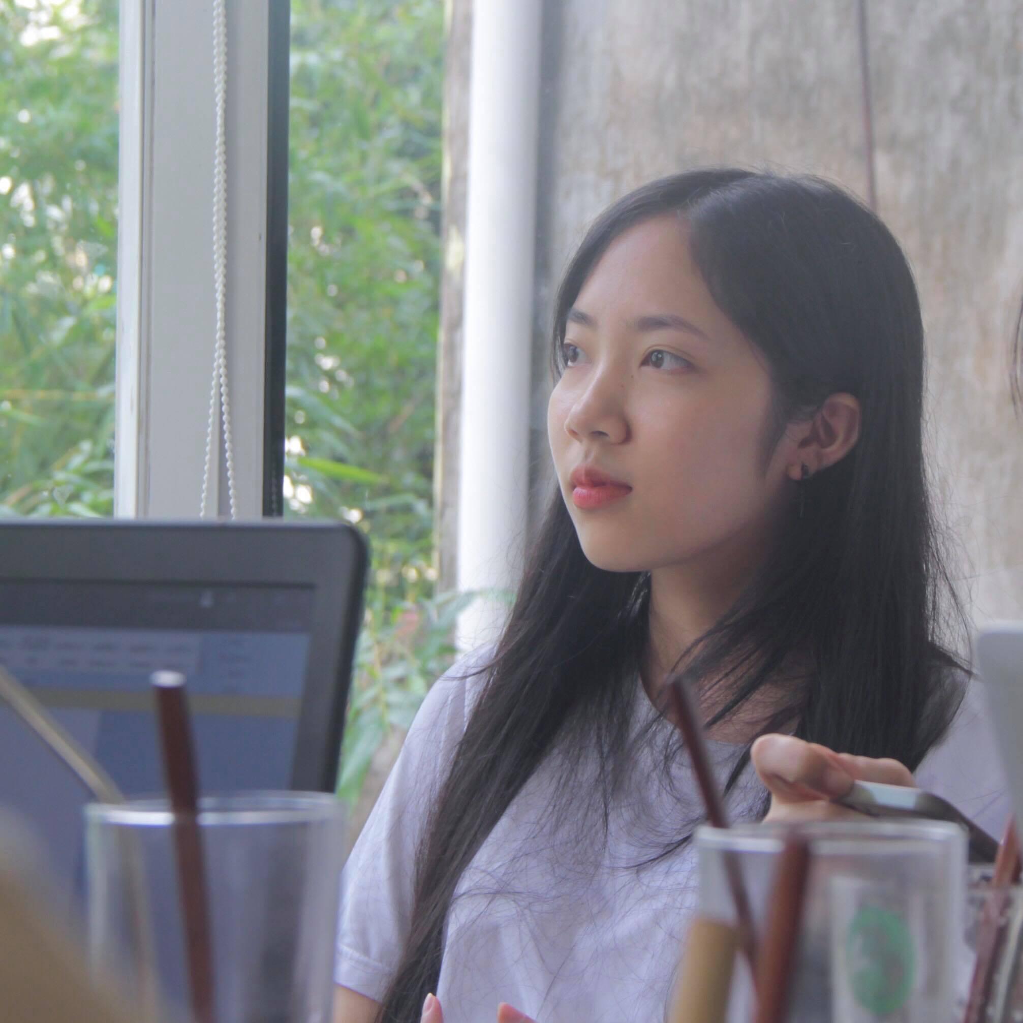 Lâm Thúy Ngọc (2001 - ĐH Ngoại thương) thấng 4 mới dậy đc